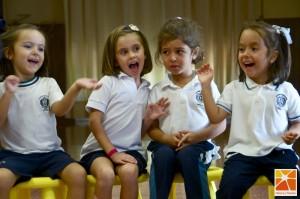 El grupo de Infantil II, jugando a expresar emociones a través de una canción
